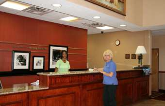 Hampton Inn & Suites Detroit/Sterling Heights Hotel, MI - Front Desk